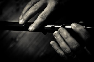 B&W Hands on flute